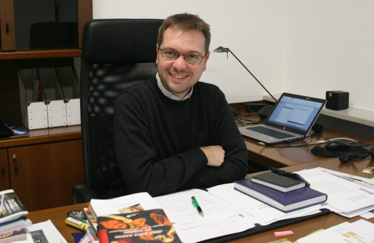 In dialogo con don Stefano Guidi. La chiesa ascolta le domande dei giovani | Giovedì 14 gennaio – ore 21:00